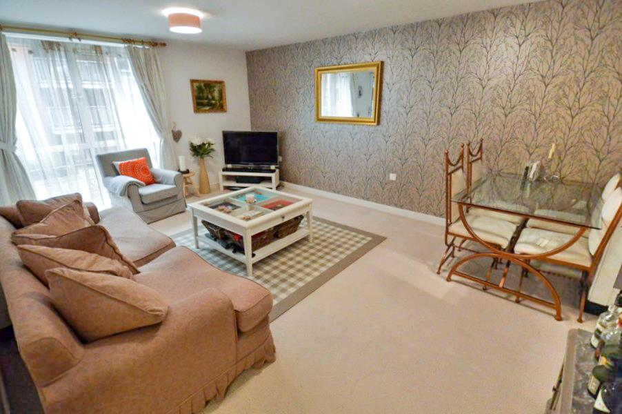 2 Bedrooms Apartment Flat for sale in Heritage Court, Warstone Lane, Birmingham